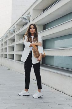White Blazer Outfit Ideas how to wear outfits with romwe white blazer chicisimo White Blazer Outfit Ideas. Here is White Blazer Outfit Ideas for you. White Blazer Outfit Ideas how to wear a white blazer top bag skinnies loafers ou. Office Outfits Women, Casual Outfits For Teens, Casual Winter Outfits, Classy Outfits, Stylish Outfits, Fashion Outfits, White Outfit Casual, Blazer Outfits Casual, Casual Jeans