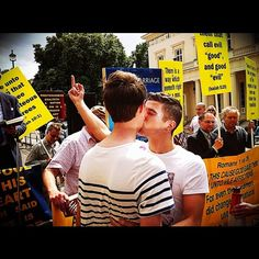 Love has no gender and being gay is a blessing. Gay Lindo, Gay Romance, Men Kissing, Cute Gay Couples, Same Love, Boys Like, We Are The World, Equal Rights, Lgbt Rights