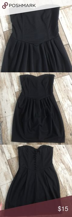 Forever 21 sweetheart dress with button back Lg Forever 21 sweetheart dress with button back size Lg Forever 21 Dresses Strapless