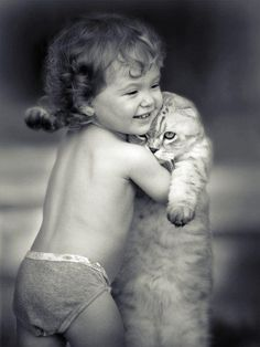 Kitties like hugs too! Crazy Cat Lady, Crazy Cats, Animals For Kids, Cute Animals, Baby Animals, Cute Kids, Cute Babies, Photo Chat, Here Kitty Kitty
