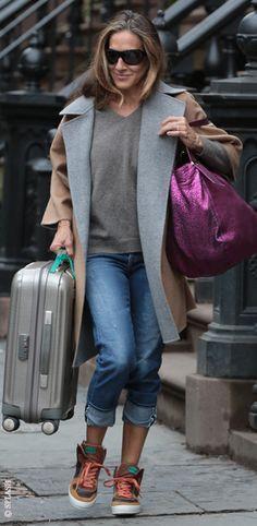 Sarah Jessica Parker unterwegs im Casual Look in New York. Hier kann man den Style nachshoppen