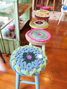 Bought $20 bar stools from Target and they could really use some sprucing up with these adorable crochet covers