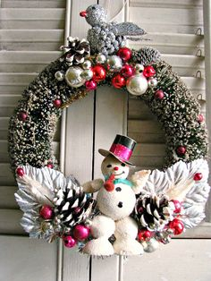 Shiny and Bright! Take a look at this one-of-a-kind FUN vintage Christmas wreath!~~This unique creation is PERFECT for your celebration!~~~I have