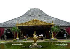 Traveling to the Mangkunegaran palace, Surakarta
