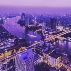 Bangkok skyline. One of the best nightlife & entertainment cities in the world  #bangkok #thailand #asia #dusk #nighttime #instatravel #travelgram #instapink #river #city #buildings #skyscrapers #timelapse