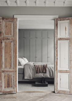 A Gorgeous Grey Scandinavian Apartment (Gravity Home) Bedroom Doors, Home Bedroom, Master Bedroom, Wooden Bedroom, Bedroom Ideas, Peaceful Bedroom, Linen Bedroom, Bedroom Wardrobe, Bedroom Designs