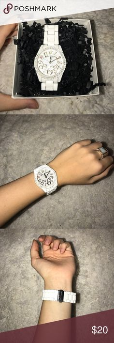 Betsey Johnson Watch! This is fitted for a fairly small wrist- it has a few signs of wear on the sides as seen in the picture. If you have any questions about sizing please leave a comment(: Betsey Johnson Accessories Watches