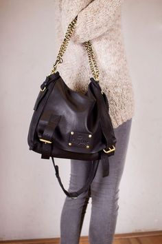 black satchel <3