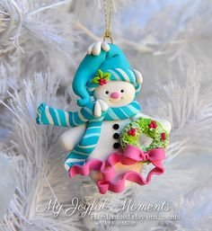Handcrafted Polymer Clay Snowman Ornament von MyJoyfulMoments