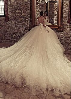 Marvelous Tulle & Satin Bateau Neckline Ball Gown Wedding Dresses With Beaded Lace Appliques