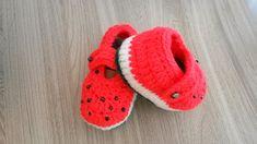 Sapatinho de crochê melancia