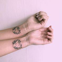 creative couple tattoo ideas © Cactuna Tatuajes ✨✨