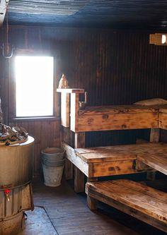 Sauna House, Sauna Room, Rustic Saunas, Building A Sauna, Sauna Shower, Outdoor Sauna, Sauna Design, Finnish Sauna, Spa Rooms