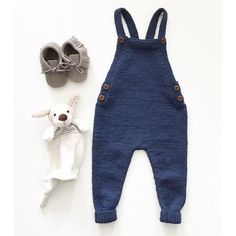 Til Lillebror Fersk Av Pinnene - En Vel Paelas Knitting For Kids, Baby Knitting Patterns, Diy Crafts Dress, Toddler Outfits, Kids Outfits, Coming Home Outfit Boy, Baby Suspenders, Baby Jumpsuit, Baby Pants