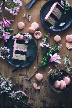 Neapolitan cake with macarons chocolate and vanilla cake and strawberry buttercream | Call Me Cupcake