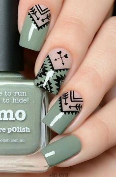 Geometric Nail Art Ideas - New Year Nails The whole world of fashion, and so does the manicure world is full of very beautiful, original and creative Beautiful Nail Art, Gorgeous Nails, Pretty Nails, Nagellack Design, Geometric Nail Art, Aztec Nail Art, Super Nails, Cute Acrylic Nails, Nagel Gel