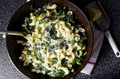 easiest garlicky broccoli rabe pasta