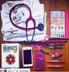 Nursing Goals, Nursing School Tips, Nursing Career, Nurse Bag, Medicine Student, Medical Careers, Nursing Supplies, Med Student, School Motivation