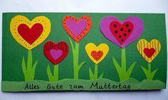 Muttertagskarte mit Herzen - Muttertag-basteln - Meine Enkel und ich - Made with. Mother's Day Card with Hearts - Mother's Day Crafts - My Grandchildren and I - Made with schwedesign. Valentine Crafts For Kids, Mothers Day Crafts For Kids, Valentines Day Party, Mothers Day Cards, Spring Toddler Crafts, Spring Crafts, Easy Mother's Day Crafts, Cute Crafts, Spring Decoration