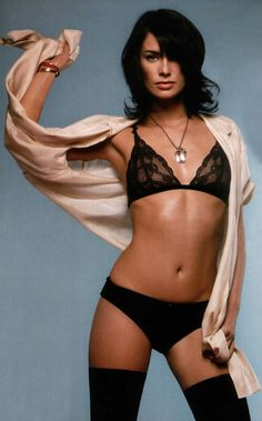 10 Amazing Movie Moms Who Went Sexy in Revealing / Naked Photoshoots!