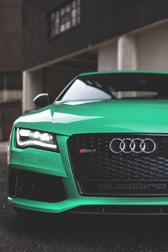 Gorgeous Green Audi R8