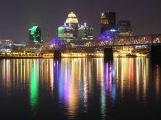 Kentucky   Louisville, KY : Louisville Kentucky at night from Jeffersonville.