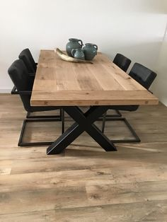 Vloeren en tafels van www.beboparket.nl #hout #laminaat #tegels #pvc #vloerbedekking #kurk #steigerhouten #tafel