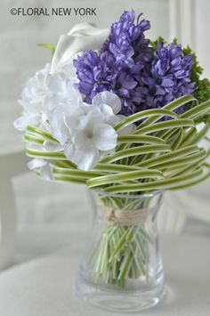 Discover thousands of images about gorgeous wedding bouquet Ikebana Arrangements, Creative Flower Arrangements, Beautiful Flower Arrangements, Floral Arrangements, Deco Floral, Arte Floral, Green Flowers, Beautiful Flowers, Flowers Garden
