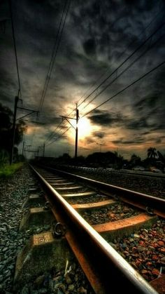 I love to walk on Railroad tracks! I am simply a big fan of trains. I respect them and the sheer human determination & ingenuity that brought the lumbering giants to life. They are the draft horses of transportation. Photo Background Images, Photo Backgrounds, Nature Pictures, Cool Pictures, Beautiful Pictures, Beautiful World, Beautiful Places, Landscape Photography, Nature Photography