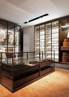 modern Minimalist Walk-in Closet Innovative Design, Cabina Armadio by Porro Wardrobe Closet, Walk In Closet, Closet Space, Shoe Closet, Best Interior, Home Interior Design, Closet Island, Dressing Room Design, Dressing Rooms