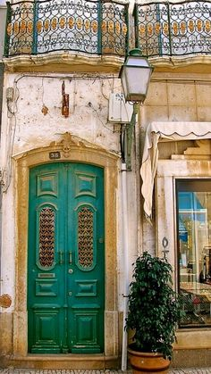 Would love my front door to be this color. Cool Doors, Unique Doors, The Doors, Windows And Doors, Algarve, Portal, Porches, Spain And Portugal, Grand Entrance