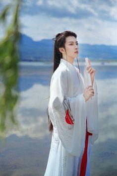 出云 · 奔月 - Xuất Vân · Bôn Nguyệt