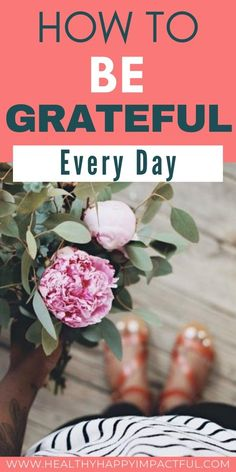 How to be grateful everyday. Learn these 20 unique and clever tips for how to practice gratitude daily. Finally, be grateful for what you have with these easy ideas.  #tipstobegrateful #howtopracticegratefulness Women's Mental Health, Mental Health Awareness, Practice Gratitude, Gratitude Jar, Positive Mindset, Positive Affirmations, Appreciate Life, How To Better Yourself, Live For Yourself