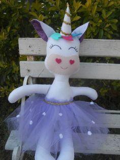 Unicórnio de Feltro #unicórnio #unicorn #unicorncake #festaunicórnio #lembrancinhaunicornio #unicornparty #unicorncake