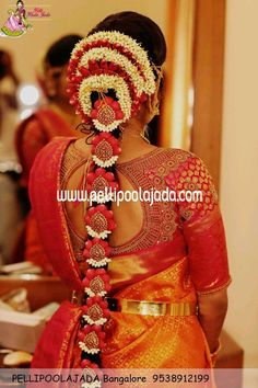 Pelli poola jada Indian bridal and wedding Accessories. Branches in Hyderabad, Bangalore, Chennai, Delhi and USA South Indian Wedding Hairstyles, Bridal Hairstyle Indian Wedding, Bridal Hair Buns, Bridal Hairdo, Indian Bridal Outfits, Indian Bridal Fashion, Indian Bridal Wear, Bridal Hair And Makeup, Mirror Blouse Design