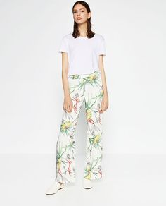 Image 1 of FLORAL LOOSE FIT TROUSERS from Zara