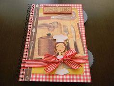 Caderno de Receitas Recipe Scrapbook, Recipe Books, Cookbook Recipes, Scrapbooks, Lunch Box, Diy Crafts, Recipe Journal, Arts And Crafts, Decorated Notebooks
