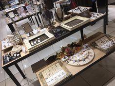 Craft Show Displays, Jewelry Displays, Earring Display, Diy Necklace Stand, Jewelry Booth, Accessories Display, Exhibition Display, Merchandising Displays, Display Design
