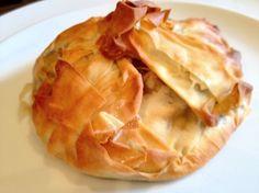 Vegetable pastry parcels