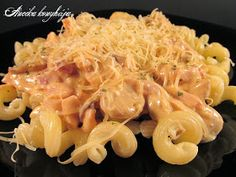 Home made életünk: Sonkás-csirkés-tejszínes tészta / Ham, chicken, creamy pasta Creamy Pasta, Ham, Macaroni And Cheese, Ethnic Recipes, Food, Madeira, Mac Cheese, Meal, Essen