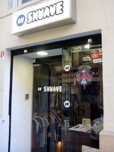 Shuave Shop es un espacio comercial de moda y complementos situado en el Casco Antiguo de Zaragoza (junto a La Casa de Los Morlanes y San Vicente de Paul).