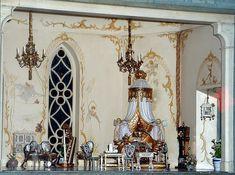 colleenmooresfairycastleprincessbedroom.jpg