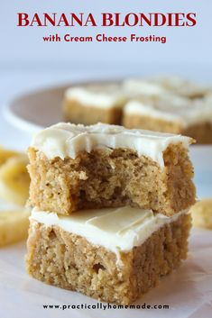 banana dessert recipes Wonderful and delicious banana blondies with a hint of cinnamon and topped with the perfect cream cheese frosting. A definite crowd pleaser! Banana Dessert Recipes, Köstliche Desserts, Cookie Recipes, Delicious Desserts, Dessert Healthy, Banana Recipes Easy, Healthy Desserts With Bananas, Tasty Recipes For Dessert, Easy Banana Cake Recipe