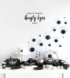 how to throw a monochrome googly eyes halloween party // oh happy day Halloween Fotos, Cheap Halloween, Halloween Cupcakes, Halloween Snacks, Halloween Party Decor, Halloween Crafts, Happy Halloween, Halloween Town, Modern Halloween Decor