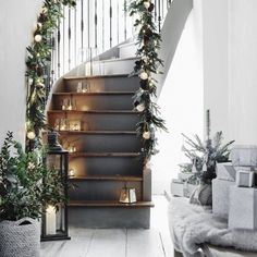 Christmas Staircase Decorations Ideas can just read this full article we had created for you.So checkout Beautiful Christmas Staircase Decorations Ideas Christmas Stairs Decorations, Christmas Staircase, Scandinavian Christmas Decorations, Simple Christmas, Beautiful Christmas, Christmas Home, White Christmas, Christmas Trees, Cosy Christmas
