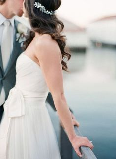 8 wedding hairstyles using vintage hairpins and combs via Coastal Bride