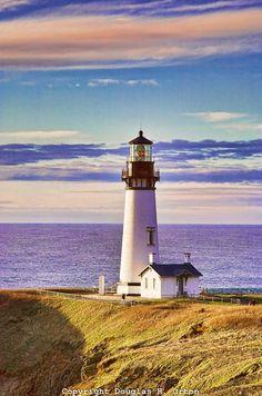 Beautiful Lighthouses around the World - Yaquina Bay Light, Oregon