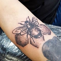 """134 Likes, 3 Comments - Holier Than Thou (@holierthanthoumanchester) on Instagram: """"Little dotwork bee in true Manchester fashion by our Chelsea ^.^ @whisperztattoo…"""""""