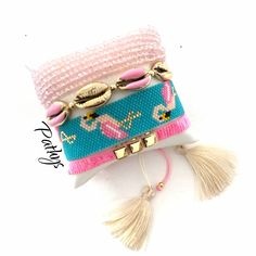 No te pierdas este artículo de mi tienda de #etsy: Miyuki set -flamingo miyuki color -adjustable bracelets -color-summer-pink Bead Loom Patterns, Jewelry Patterns, Flower Earrings, Beaded Earrings, Handmade Necklaces, Handmade Jewelry, Earring Tutorial, Loom Beading, Custom Jewelry