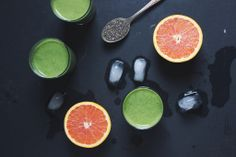 Tropical Green Smoothie   withfoodandlove.com   #vegan #greensmoothie
